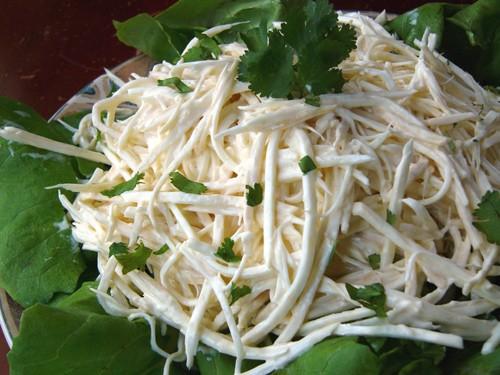 Я давала этот салат, но там не видна фоография, поэтому я его обновлю, его многие делали и были дов...