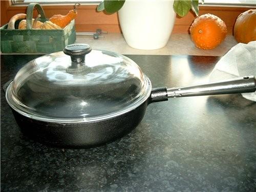 Наконец-то дошли руки показать свою сковороду - довольная как слон, жарю в ней всё подряд