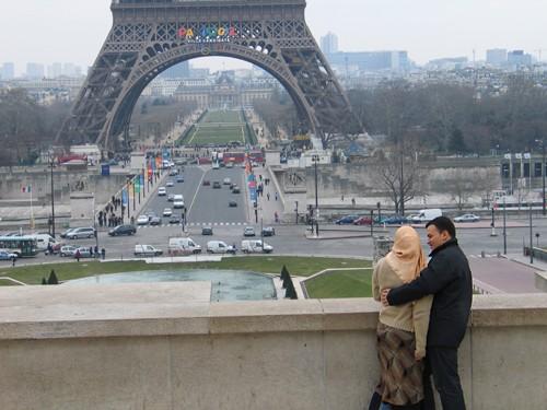 Вот таким я увидела Париж в этот раз: Улица, на которой я жила: