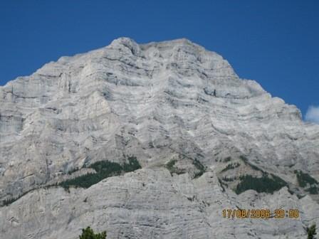 Ходили они в недельный поход в скалистые горы - 2