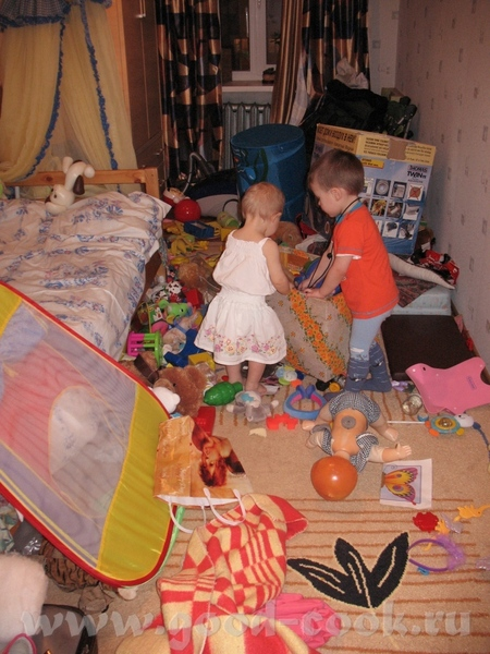 Маленький фотоотчетик с Анниного годовасия Помогала надувать надутые шарики Чудный денек во всех от... - 6
