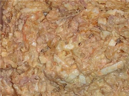 Готовилось много всякого, но сфоткала Лесной салатик в Люсином исполнении, очень вкусненько улитки...