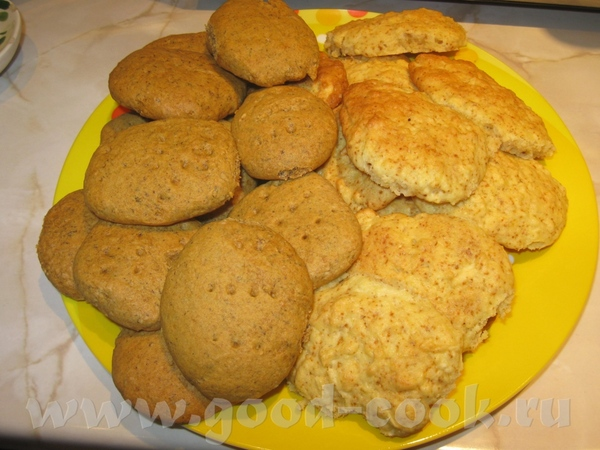 Спасибо ньке за яблочные печеньки (справа), токо я еще в них корицу добавила - 2