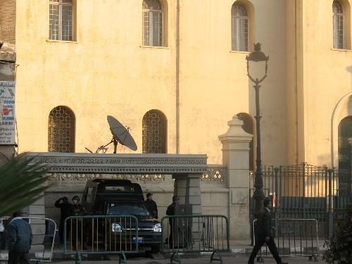 Так в Египте охраняют синагоги