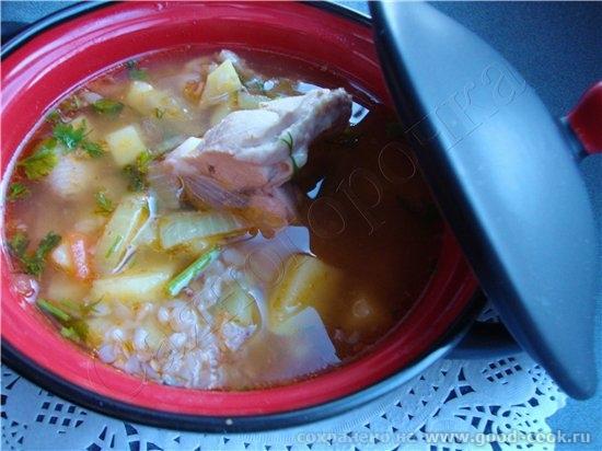 18/100 рецептов из курицы Суп с курицей и гречкой с томатной пастой кусочки курицы картофель 1/2 ст...