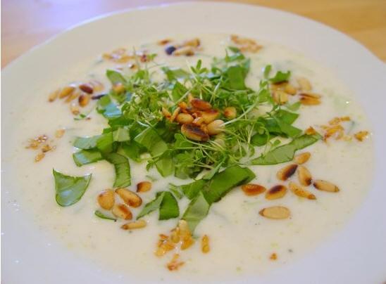 Вот такой я делала вчера холодный суп от Nezabudka c CK