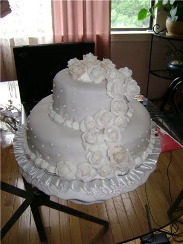 Вот тоже тортик принесла, извиняюсь за фон