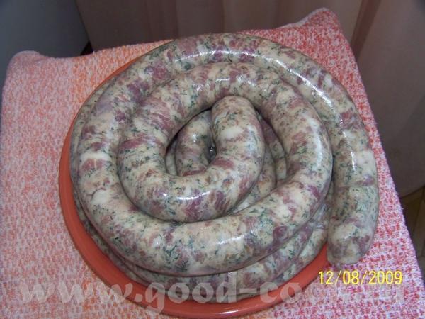 400г сала тонкие кишки 20г соли 15 мл коньяка 30г зелени 1кг свинины 8зубчиков чеснока специи