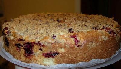 , сделала Ягодный кекс со штрейзелем, учитывая сезон, роль ягод сыграла клюква