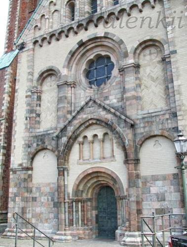 Кафедральный собор города - 7