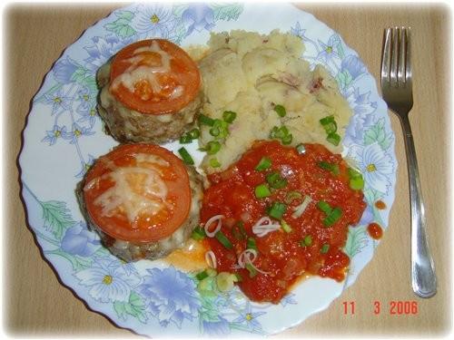 а я делала от Neposedka Гнёзда из фарша и помидоров это они так выглядели до духовки это после 10 м... - 3