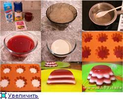 Желе бело-розовое Ингредиенты: 200 мл клубничного сока (компота, сиропа), 200 мл молока, 4 ст - 2