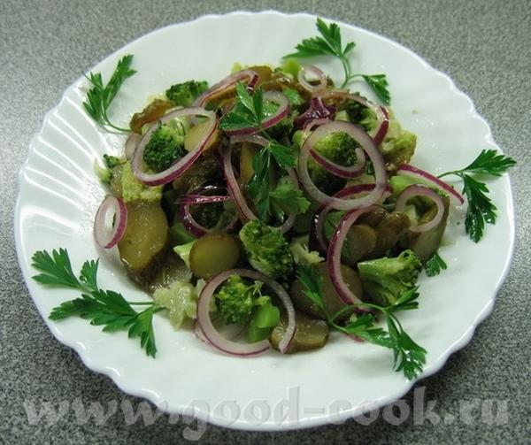 """ещё салатик """"Загадка принца датского"""" от Maniusha огурец ложила :-) есть момент: салату под заправк..."""