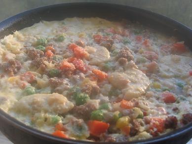 запеканка из готовой смеси с рисом,фаршем готовую смесь с овощами и рисом перемешать с предваритель...