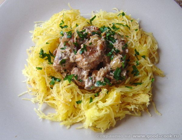Кабачок спагетти с курицей и грибами