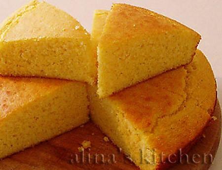 Кукурузный хлеб Кукурузный хлеб в Америке традиционно подается к чили, рагу, супам