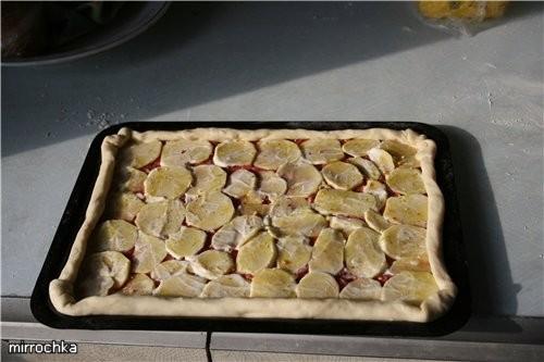Тесто на Пиццу: 200 грамм муки (правда я ложу до тех пор пока не перестанет прилипать к рукам) 1 ча... - 4