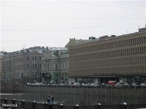 """Но это мы с вами """"перелетели"""" через Фонтанку, чтобы посмотреть на здания Центробанка"""