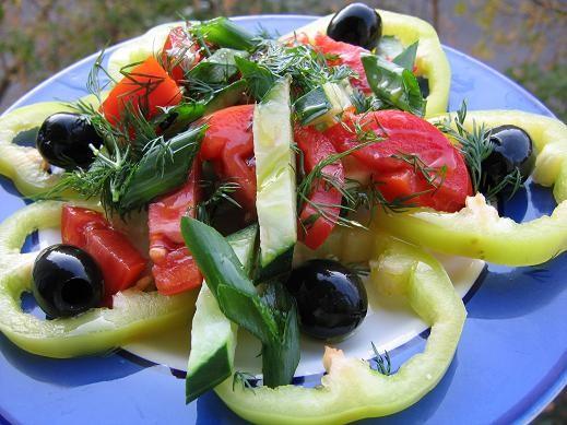 сколько же красоты у всех откусила немножко у нас такой будет ужин салат из свежих овощей ЛЕПЕШКИ Д...