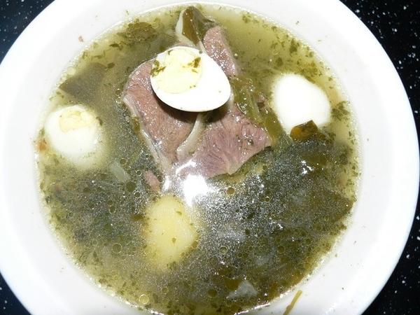 Супик из щавеля с перепелинными яйцами