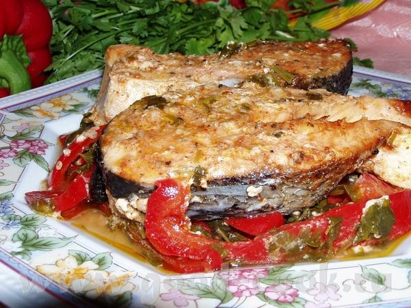 Лосось пикантный Камбала в омлете,запеченная с помидорами Камбала,жареная в яйце