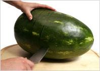 Корзинка из арбуза с фруктовым салатом - 3