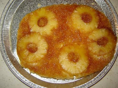 Перевёрнутый ананасовый пирог в микроволновке