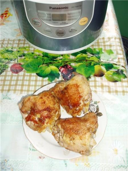 Сделала бедрышки чесночные(со вчера мариновались) в мульте без капли масла