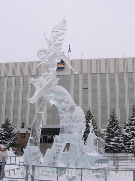 у нас это не конкурс, у нас это просто традиция - ежегодно делать ледяные городки, Сибирь, однако В... - 4