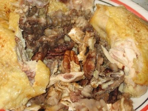 Куриные фотографии получились не очень красивые Курица фаршированная мацой и орехами пекан - 4