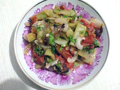 Простой и очень вкусный салат,наверно многие его готовят и любят