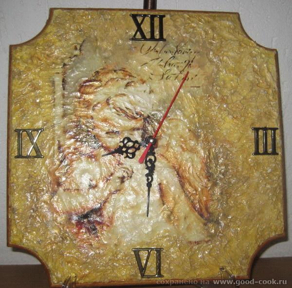 Часы в стиле фреска