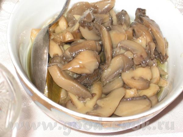Так мы отмечали Рош-а-Шана: Салат с маслинами-2 Винегрет Маринованые грибы Что-то грузится очень ме... - 3
