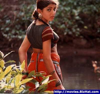 Интересно, что в южноиндийском кино ценятся именно полненькие и толстенькие актрисы