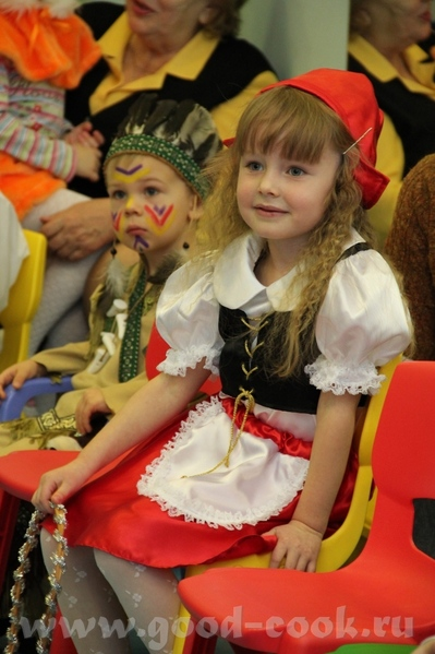 Свой вариант костюма На елке в детском центре На елке в театре Огниво (с женихами ) Завтра еще в са... - 3