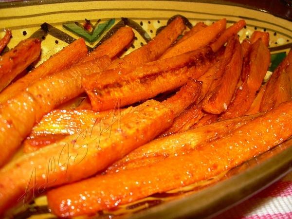 Даже не знаю что писать все элементарно просто в этом приготовлении морковки во фритюре, готовим ее... - 2