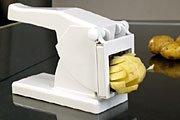 У меня еcть вот такое устройство для нарезки картофеля