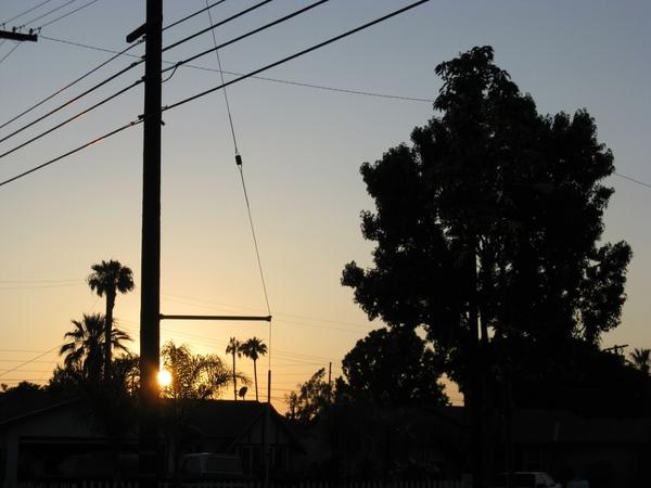 Хочу еше вам показать немного Калифорнийского неба, очень красивого с необычными оттенками синевы - 5