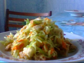 Салат из редьки с овощной зажаркой и сухариками от Ирины Кутовой
