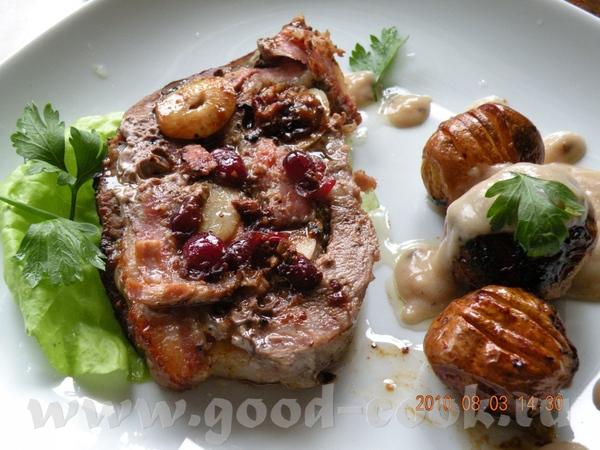 СВИННАЯ ШЕЙКА С КЛЮКВОЙ И ЧЕСНОКОМ Потребуется мясо свин - 5