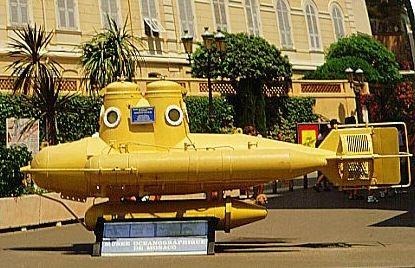 А я такую субмарину видела в Монако возле океанографического музея
