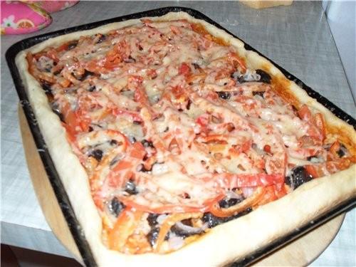Пицца Тесто делала двойную порцию