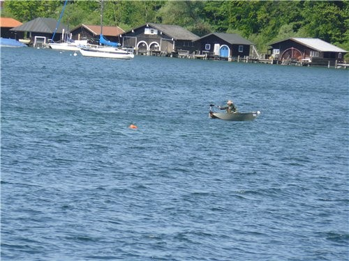 Такие статуи стояли на берегу Одинокий рыбак - 3
