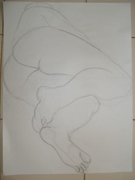 Ща я вам навалю своих рисунков Figure drawing типа надо было вписать в лист, чтобы фигура касалась...