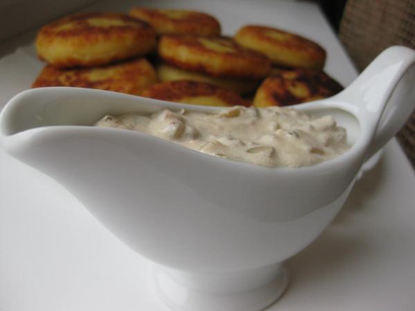 Картофельные котлеты с грибным соусом - 2