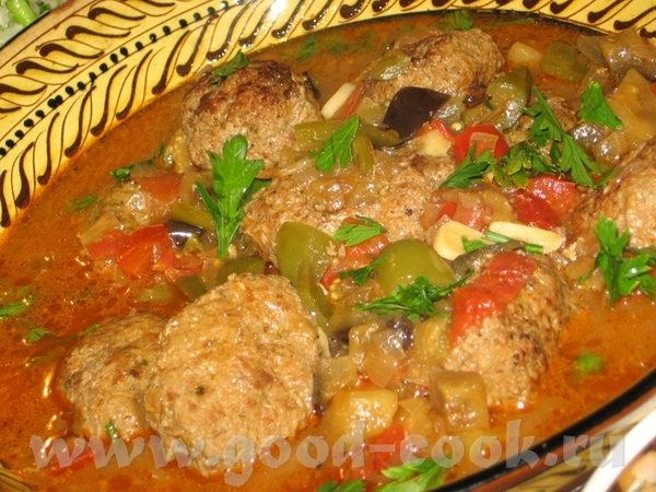 Турецкое блюдо из мясных котлет на овощах в оливковом масле - 2