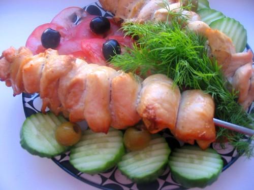 """У нас как всегда скромный ужин: салатик """"Лагуна"""" на второе запеканочка из фарша с яйцом и картошечк... - 3"""