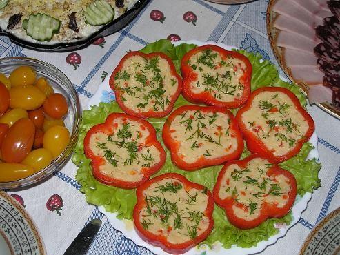 Очень понравилась закуска Перцы, фаршированные сыром Автор: Снежная Рецепт скопировала с сайта ГТ,...