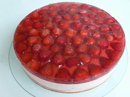 Хочу представить вашему вниманию тортик только для взрослых: Клубника в шампанском помните фильм «К...
