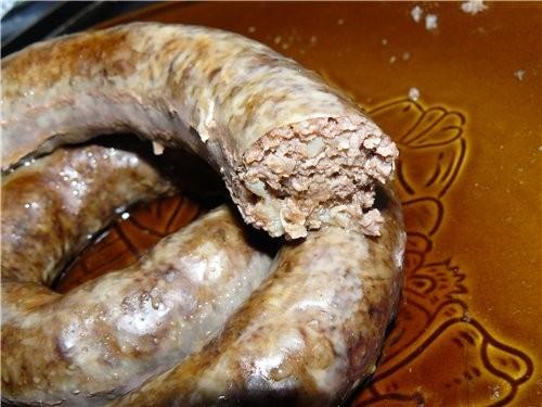 Колбаса домашняя с картошкой Жирная говядина чуть чеснока соль, перец сладкий красный перец, порошо...